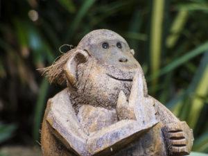 Kokosnuss Affe Skulptur